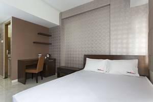 RedDoorz Apartment @Margonda Residence Jakarta - Kamar tamu