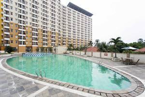 RedDoorz Apartment @Margonda Residence Jakarta - Kolam Renang