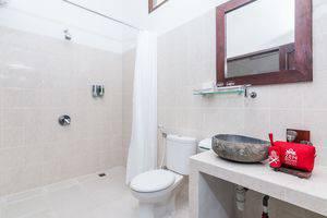 ZenRooms Ubud Sayan Bali - Kamar mandi