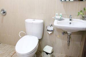 ZEN Premium K. H. Moh Toha Ciawi - Kamar mandi