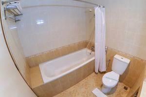 Ahadiat Hotel & Bungalow Bandung - Kamar mandi