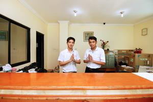 Airy Eco Sawah Besar Kartini Lautze 24 Jakarta Jakarta - Receptionist