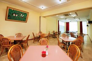 Airy Eco Sawah Besar Kartini Lautze 24 Jakarta Jakarta - Restaurant