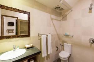 Umah di Seminyak Bali - Kamar mandi