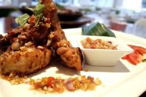 Kyriad Pesona Hotel  Surabaya - Ayam Sambal Korek