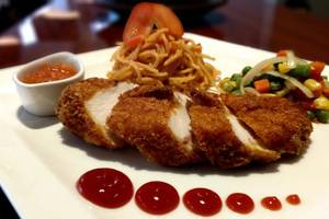Kyriad Pesona Hotel  Surabaya - Chicken Cordon Bleu