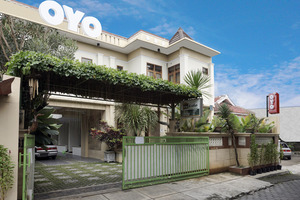 OYO 462 Nugraha Residence Near Jogja International Hospital