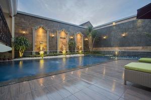 Prima In Hotel Yogyakarta - Kolam Renang