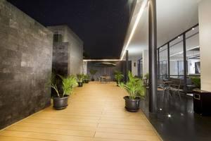 Hotel Neo Tendean Jakarta - Teracce