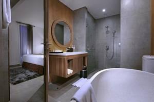 Vasanti Kuta Hotel Bali - Deluxe bathroom