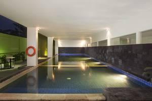 Zest Hotel Yogyakarta - Kolam Renang