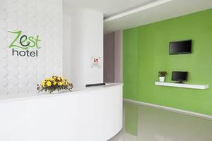 Zest Hotel Yogyakarta - Area internet