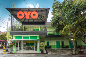 OYO 754 Nur Aziziah Guest House