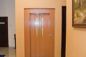 Rumah Shinta Jakarta - Elevator