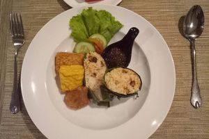 Grand Viveana Hotel Bandung - Food