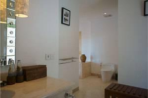 Alam Ubud Culture Villa   - Kamar mandi