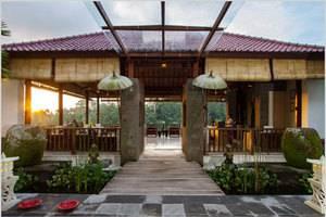 Alam Ubud Culture Villa   - Pintu Masuk