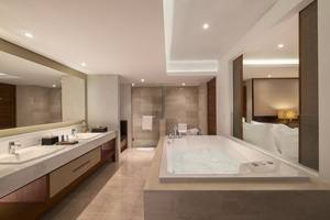 The Bandha Hotel & Suites Bali - Kamar mandi (Deluxe Suite)