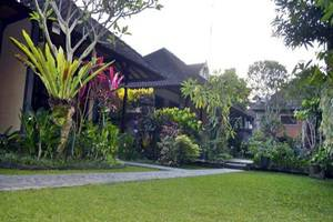 Nick's Homestay Bali - Park
