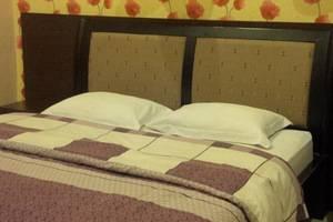 Hotel Kencana Rembang Rembang - Kamar tamu