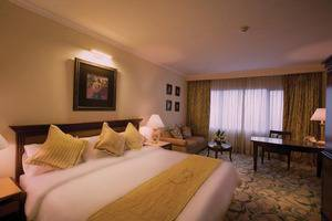 Aston Tropicana Bandung - Premier Queen Room
