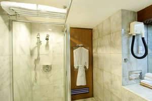 Elmi Hotel Surabaya - Kamar Mandi Elmi Suite
