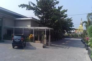 Ayola Tasneem Hotel & Convention Jogja - Area parkir
