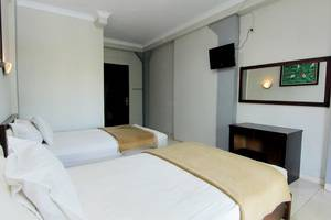 Hotel Bugis Asri Yogyakarta - Bed