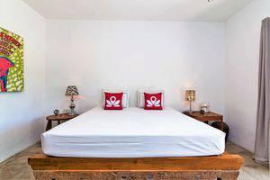 ZenRooms Padang Linjong Canggu - Tampak tempat tidur double