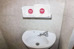 NIDA Rooms Mircan Baru Depok Airport Jogja - Kamar mandi