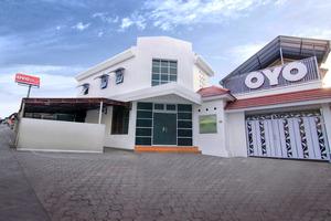 OYO 966 Dinda Guesthouse