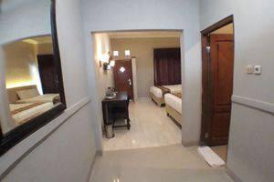 Front One Resort Wisma Aji Yogyakarta - ROOM