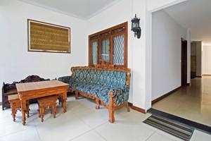 RedDoorz @Kelapa Dua Kebon Jeruk Jakarta - InteriorInterior