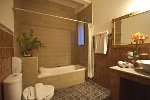 Asana Puri Maharani Hotel Bali - Bathroom