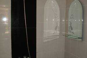 Omah Pelem Syariah Semarang - Shower