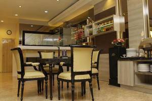 Hotel Yasmin Makassar - Meja Makan