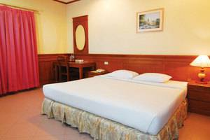 Royal Regal Hotel Surabaya - Rooms1