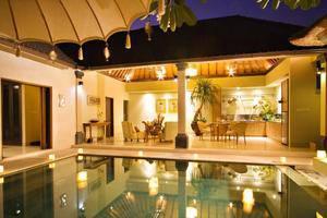 DISINI Luxury Spa Villa Bali - Kolam Renang