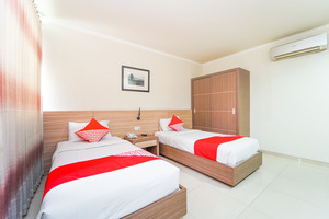 OYO 235 Maumu Hotel & Lounge