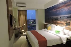 The Balava Hotel Malang - Tempat tidur dengan pemandangan kota King
