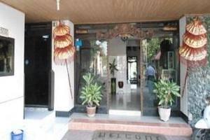 Hotel Megawati Malang - Pintu Masuk