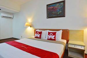 ZEN Rooms Kebayoran Jakarta - Tempat Tidur Double