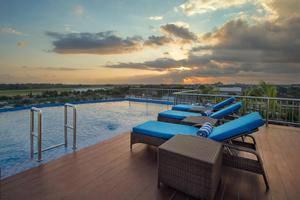 Platinum Adisucipto Hotel & Conference Center Yogyakarta Jogja - Kolam Renang