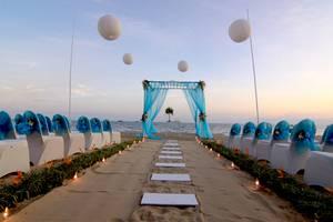 Le Grandeur Balikpapan - Pernikahan di Pantai Le Grandeur