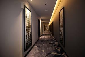 Forriz Hotel Yogyakarta Yogyakarta - Corridor