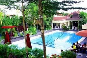 Hotel Grand Rosela Yogyakarta - kolam renang