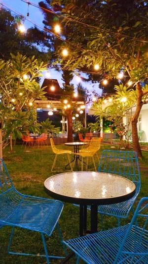 Hotel Grand Rosela Yogyakarta - garden