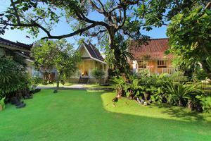 Hotel Puri Tempo Doeloe Bali - Pemandangan Taman