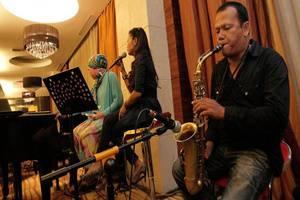 Premier Basko Hotel Padang - Musik live