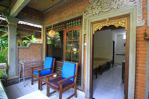Dewa Bharata Bungalow Bali - Teras